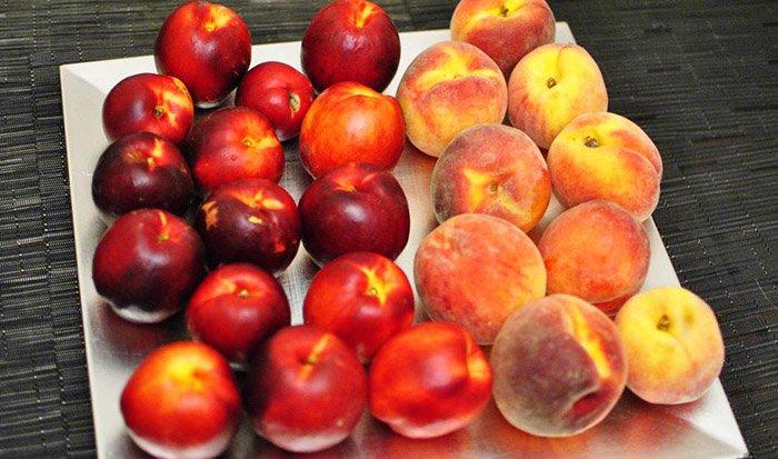 персики и нектарины
