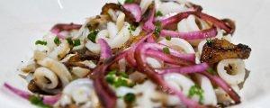 блюдо из кальмаров