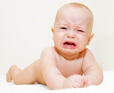 боль в животе у малыша