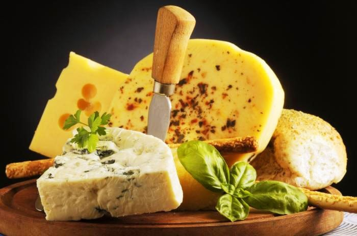Сыр при грудном вскармливании: какой можно