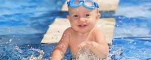 плавание с грудничком в бассейне