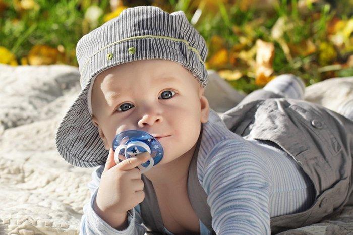 Как отучить ребенка от пустышки