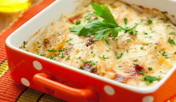 Запеканка с картофелем и брюссельской капустой