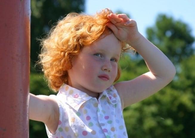 Аллергия на солнце у ребенка что делать