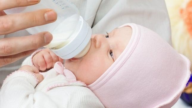 Плюсы и минусы донорского молока