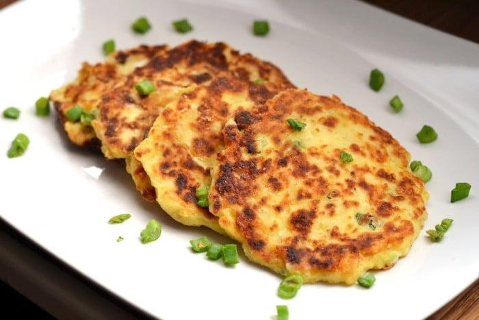 картофельные оладья с луком