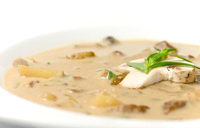суп из шампиньонов с вермишелью