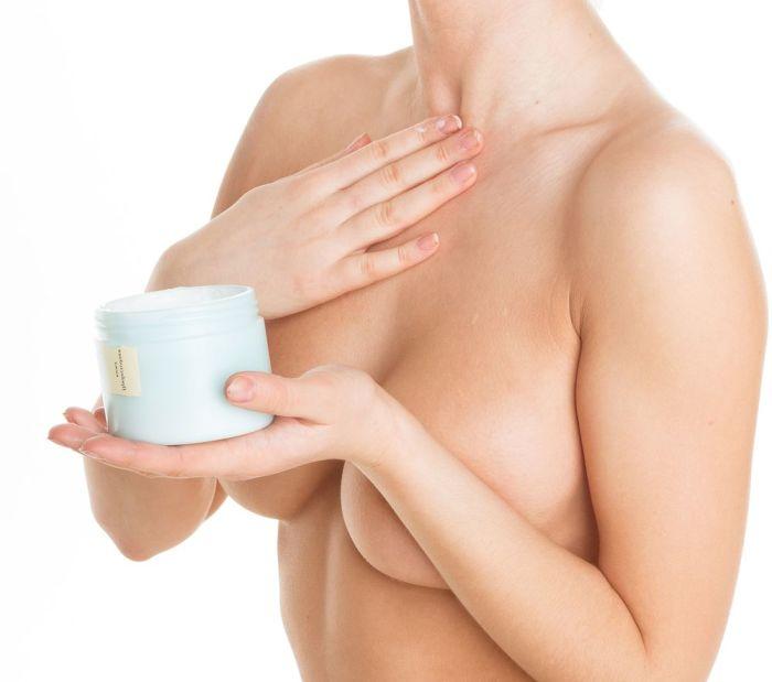 смазывание груди кремом