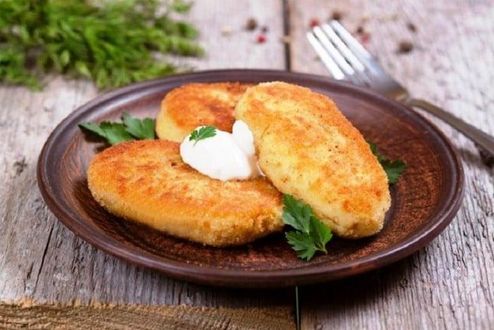 картофельные котлеты с кинзой