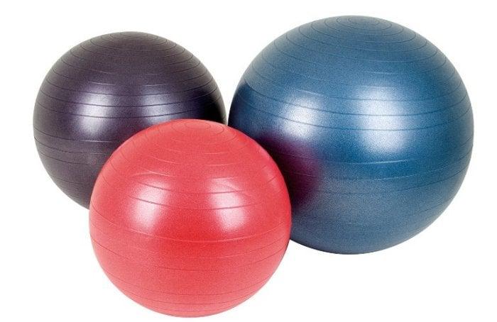 выбор фитбола для грудничка