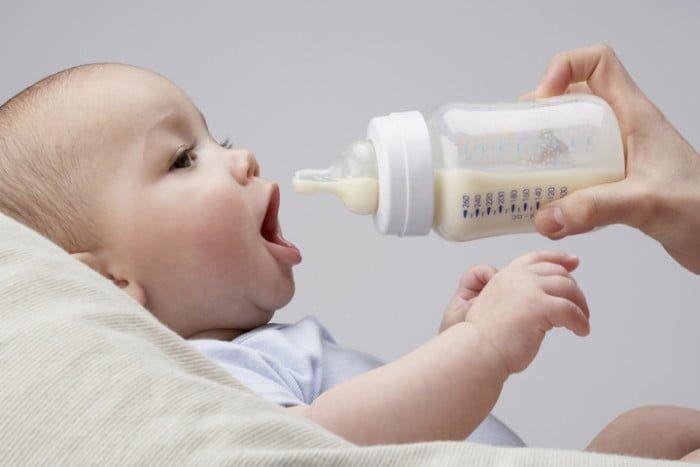 ребенок на искусственном питании