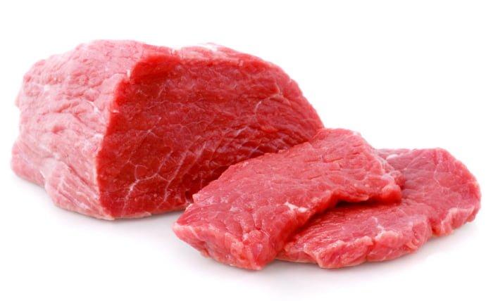 свежая говядина для мясного бульона