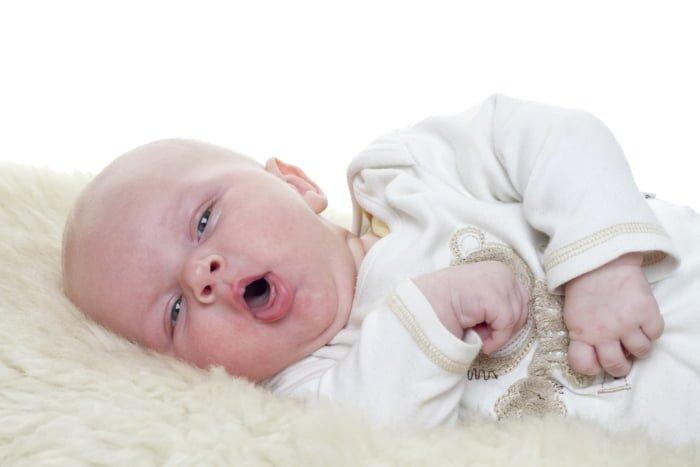 тошнота и приступ рвоты у младенца