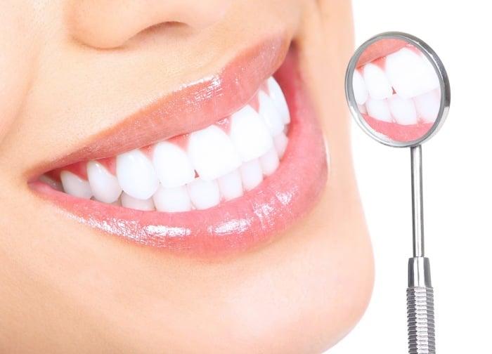 здоровая зубная эмаль у кормящей мамы