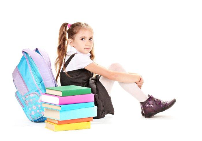 девочка школьного возраста