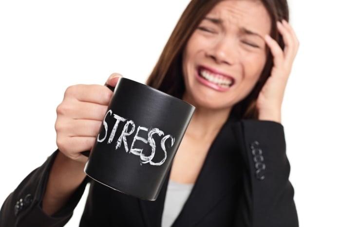 выпадение волос при стрессе после родов