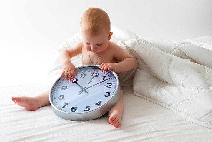 продолжительность кормления новорожденного