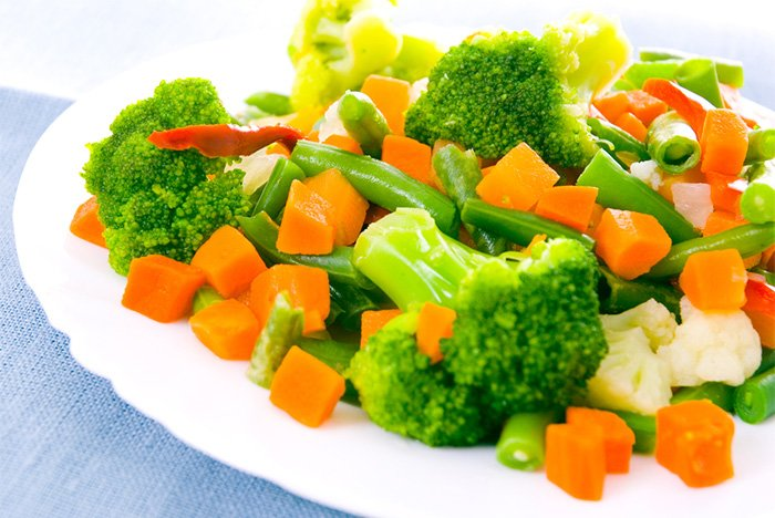 тушеные брокколи с цветной капустой