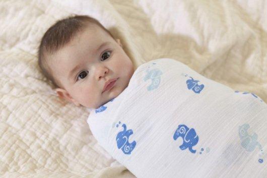 пеленание новорожденного