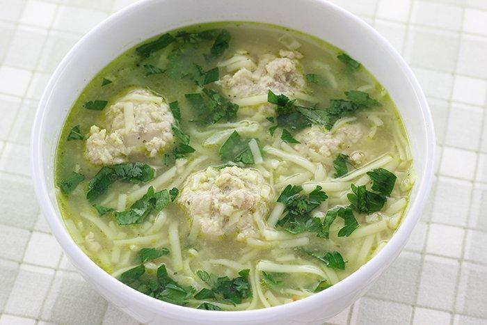 суп с фрикадельками и вермишелью для ребенка