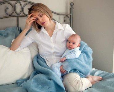 кормящая мама и грудничок