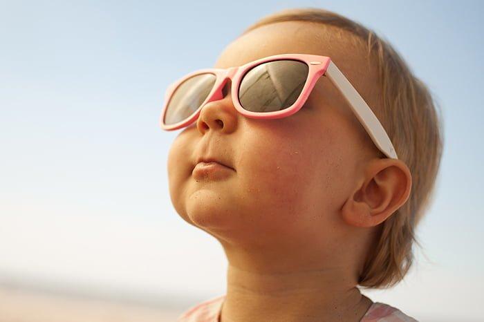 солнцезащитные очки для ребенка до года