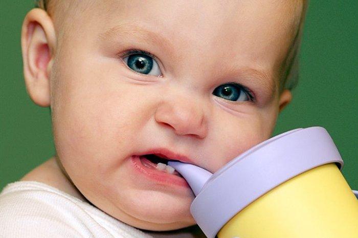 поильник при прорезывании зубов