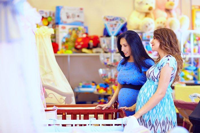 выбор детской кроватки в магазине
