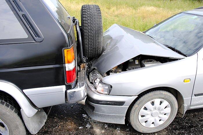 автомобильное столкновение