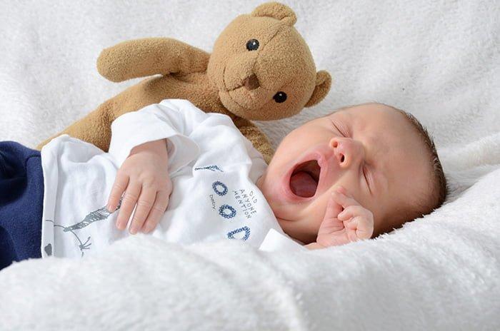 ребенок проснулся утром