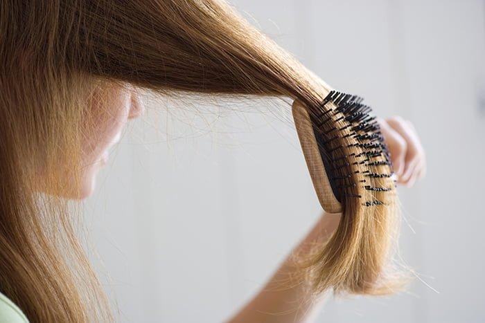 выпадают волосы у кормящей мамы
