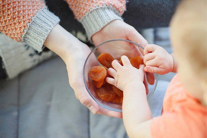 курага в прикорм ребенку