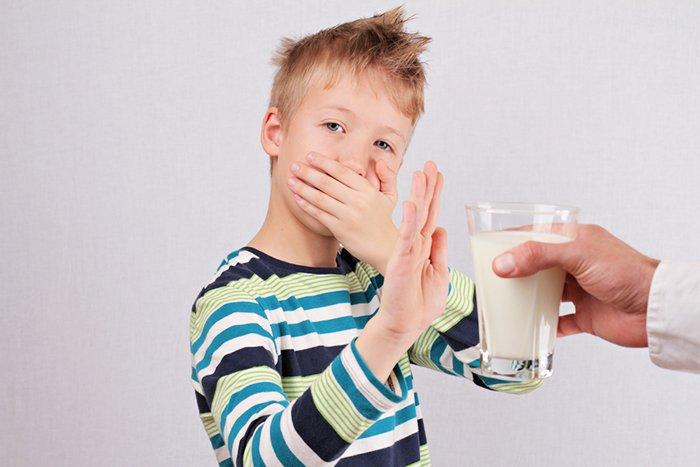 ребенок не хочет пить молоко