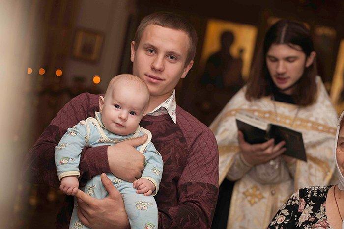 ребенок с крестным отцом