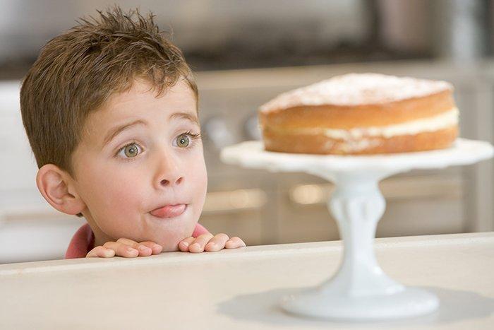 ребенок хочет сладкое