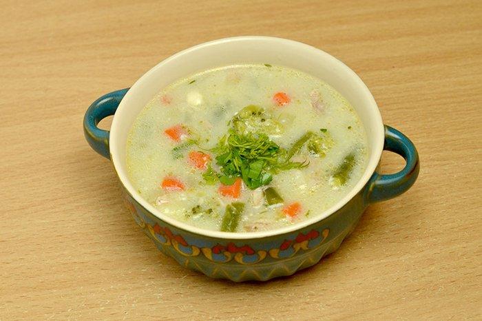 суп с плавленным сыром и овощами