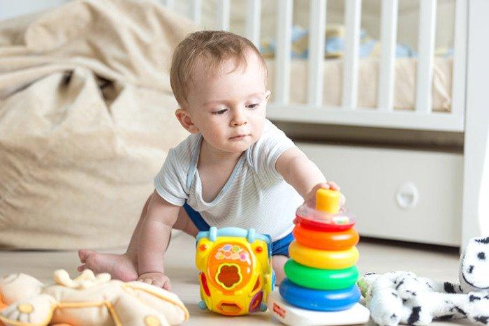 Умения ребенка в 10 месяцев