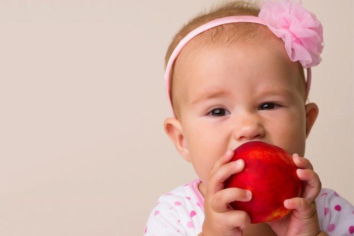 Соскольки можно давать персик ребенку
