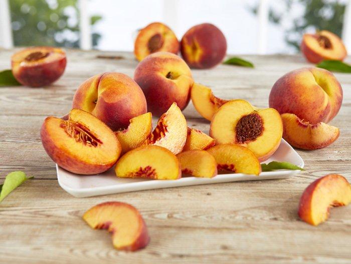 Персики грудничку