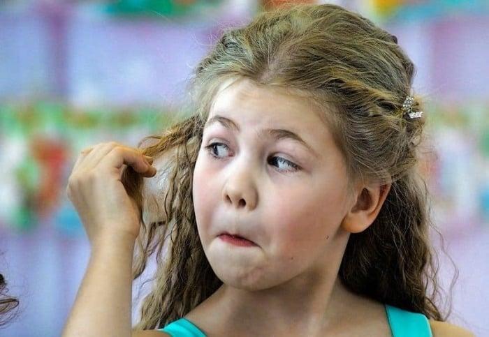 Как удалить жвачку с волос у ребенка