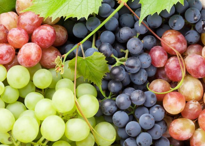 Можно ли виноград детям