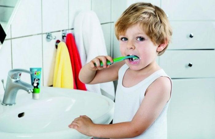 Что делать при прорезывании зубов у ребенка