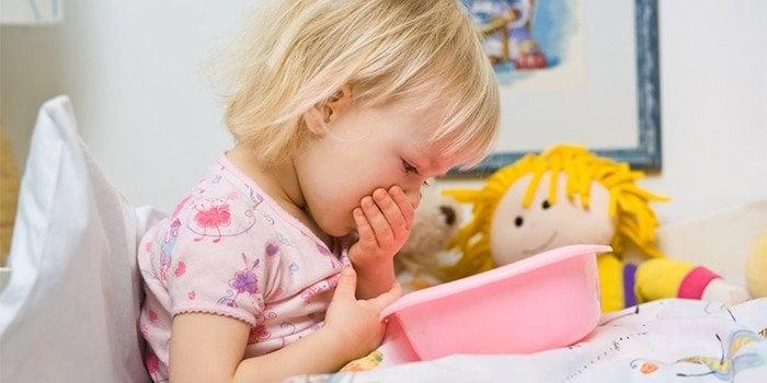 Первая помощь при отравлении уксусом ребенку