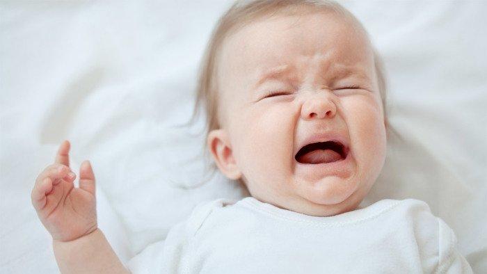 Ребенок просыпается ночью и плачет