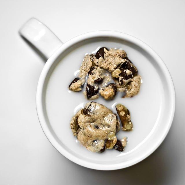 Грецкие орехи с молоком