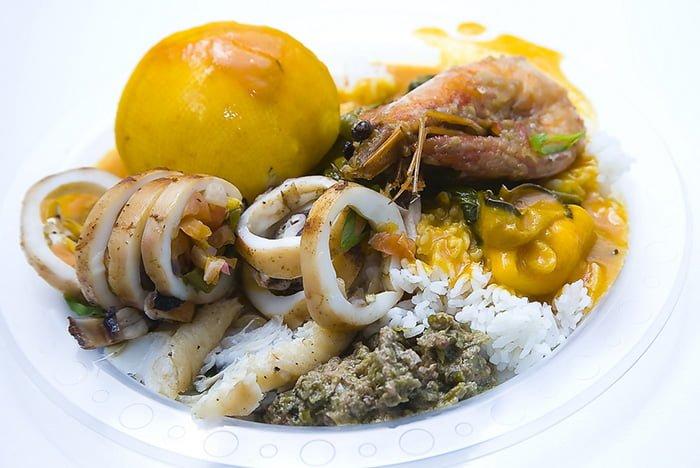 блюдо с кальмаром