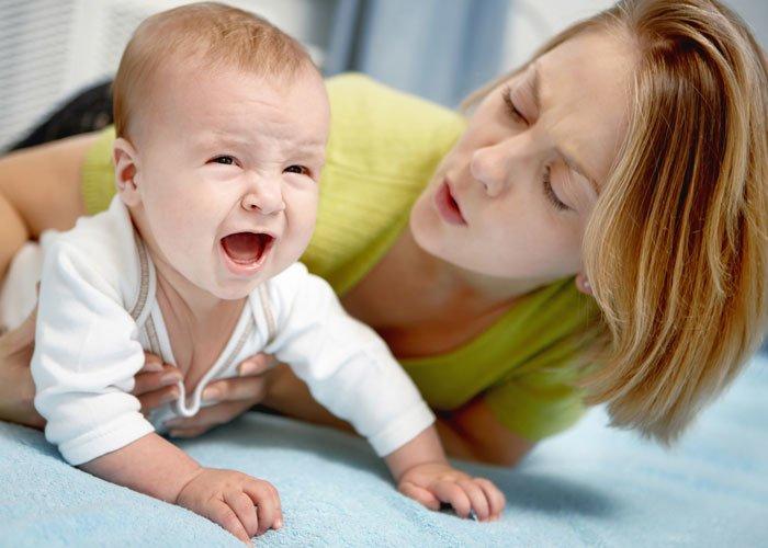 Стул со слизью у новорожденного