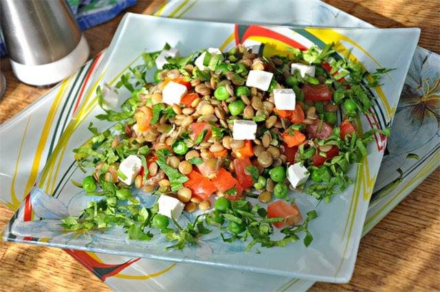 Салат с чечевицей
