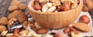 Орехи при грудном вскармливании