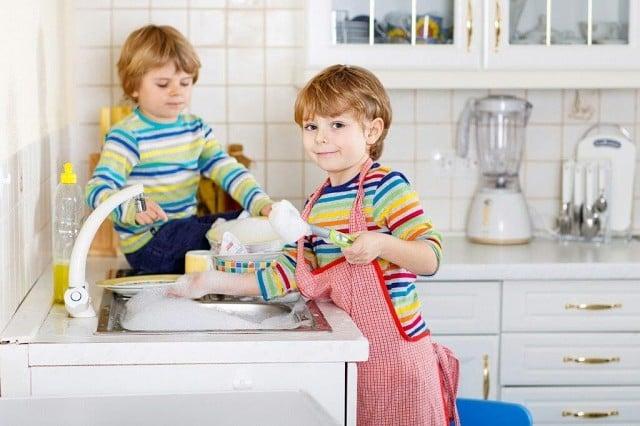 Как мыть детскую посуду
